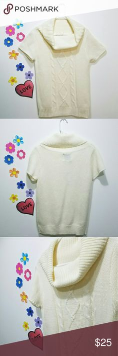 Women Knitted Top Beautiful and comfy top. New York ATLAST  Sweaters Cowl & Turtlenecks