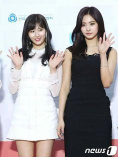 [Appreciation] TWICE at Gaon Music Awards Red Carpet - Celebrity Photos - OneHallyu Seoul Music Awards, Mnet Asian Music Awards, Celebrity Red Carpet, Celebrity Photos, South Korean Girls, Korean Girl Groups, Tzuyu And Sana, Lovely Smile, Girl Bands