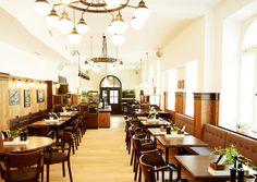 WIEN: ERSTES GASTHAUS OHNE GLUTEN UND LAKTOSE Beruflich häufig mit Unverträglichkeiten konfrontiert, entschied ein Unternehmerpaar den Schritt in die Gastronomie. In Mariahilf entstand dadurch das Gasthaus Zum Wohl.