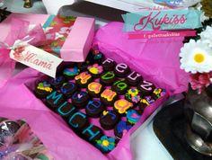 Bombon con chocolate decorados