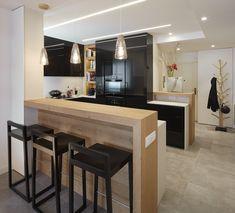 Molins Interiors // arquitectura interior - interiorismo - decoración - cocina - loft - barra madera - negra - negro - porcelánico - encimera - deckton