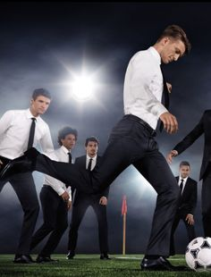 The boys playing in suits - and looking as dapper and sporty as ever. Am I the only one that thinks they should do this more often - maybe during the Euro Cup? Germany Team, Germany Football, Paris Saint Germain Fc, German National Team, Dfb Team, Spanish Men, German Boys, Fc Bayern Munich, National Football Teams