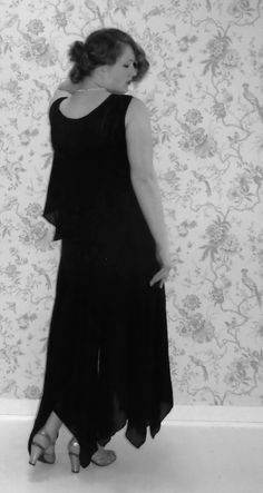 1929-1930 silk crêpe evening gown.