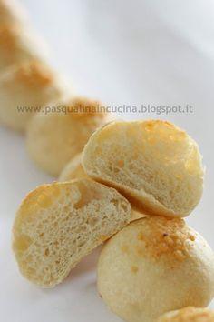 I panini da buffet sono stati sempre una mia fissazione. Li adoro. Possono essere, nella loro semplicità, protagonisti di feste, pic nic...