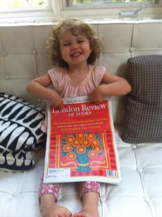 A little pre-dinner reading with @LRB #readeverywhere #torontotots pic.twitter.com/e44dLAhPfM