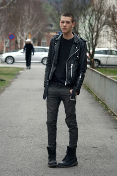 Google-Ergebnis für http://images3.chictopia.com/photos/Joachim/4716682781/black-dr-martens-boots-gray-cheap-monday-jeans-black-vintage-jacket-dark-g_400.jpg