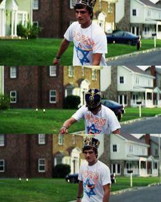 Josh Hutcherson como Clapton Davis en Detention (2011), dir. Joseph Kahn