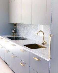 27 Modern Kitchen Interior Design That You Have to Try Modern Kitchen Interiors, Luxury Kitchen Design, Kitchen Room Design, Home Decor Kitchen, Interior Design Kitchen, Home Kitchens, Kitchen Office, Kitchen Modern, Kitchen Ideas