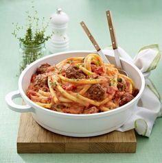LECKER: Nudeln mit Hackbällchen und Ricotta-Tomatensoße