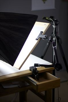 These are behind the scenes photographs from the Shoot Share Sell: How to Get the Best Jewelry Photos from Your Smartphone with Lapidary Journal Jewelry Artist photographer Jim Lawson video shoot.