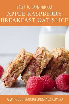 Apple & Raspberry Breakfast Oat Bars are a delicious wholesome way to start the day. From breakfast on the go to lunchbox snacks these Breakfast Oat Bars are a game changer. Lunch Box Recipes, Baby Food Recipes, Snack Recipes, Brunch Recipes, Oat Slice Healthy, Muesli Slice, Raspberry Breakfast, Breakfast On The Go, Breakfast Ideas