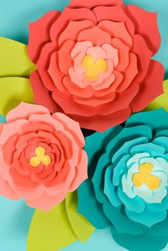 Paper Flower Template Giant Paper Flowers Template Tips And Tricks To Make It Easy Mexican Paper Flowers, How To Make Paper Flowers, Tissue Paper Flowers, Paper Flower Backdrop, Paper Garlands, Paper Decorations, Paper Butterflies, House Decorations, Giant Paper Flowers