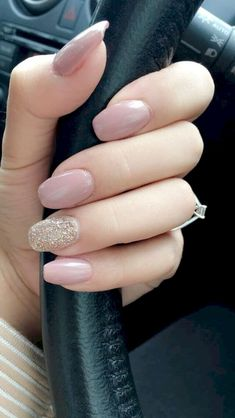 27 + Amazing Natural Light Pink Nails Design voor Young Lady in 2019 Light Pink Nail Designs, Light Pink Nails, Elegant Nail Designs, Elegant Nails, Neutral Nail Designs, Romantic Nails, Classy Nails, Simple Nails, Spring Nail Art
