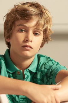 David from Sugar Kids for Massimo Dutti. Cute 13 Year Old Boys, Young Cute Boys, Cute Teenage Boys, Teen Boys, Kids Boys, Cute Kids, Baby Boy Haircuts, Boy Hairstyles, Haircuts For Men