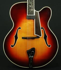 Buscarino Virtuoso Archtop Electric Guitar Highly Figured w/OHSC Sunburst