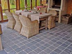 Dalle en Pierre naturelle bleue du Vietnam vieillie pour vos terrasses, parvis, abords de piscine,....