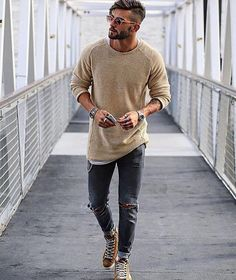 Moda casual hombre outfits shops for 2019 Mens College Fashion, Mens Fashion Suits, Beard Fashion, Mens Athletic Fashion, Rugged Style, Fashion Mode, Trendy Fashion, Fashion Ideas, Fashion Fashion