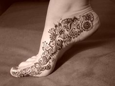 Foot-Tattoos-Mehndi-Trend2 by sweet_n_lowlo, via Flickr
