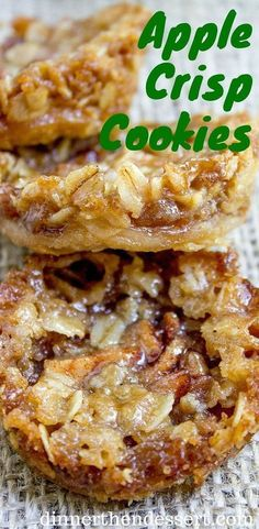 Apple Crisp Cookies with a pie crust bottom, sweetened spiced apples and a brown sugar and oat crust. Apple Crisp Cookies with a pie crust bottom, sweetened spiced apples and a brown sugar and oat crust. Apple Dessert Recipes, Apple Crisp Recipes, Mini Desserts, Cookie Desserts, Healthy Apple Desserts, Holiday Desserts, Apple Crisp Healthy, Apple Crisp Pie, Apple Deserts
