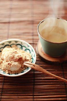 Japanese sweets / きなこ餅(Kinakomochi)