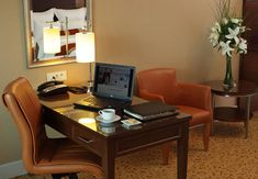 All guest rooms at the Istanbul Marriott Hotel Asia have a separate working area for business travelers. Special working areas are located just near the panoramic windows of the rooms so you can enjoy the city view while you are working.