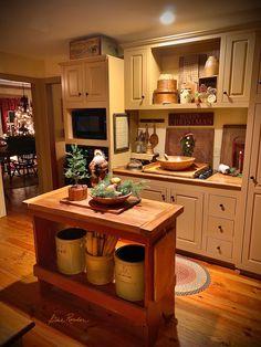 Country Kitchen Diner, Rustic Kitchen Island, Home Decor Kitchen, New Kitchen, Kitchen Dining, Kitchen Ideas, Cabin Kitchens, Luxury Kitchens, Farmhouse Kitchens