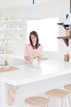 A Spring kitchen refresh. My process for cleaning and refreshing my cottage farmhouse kitchen. Diy Kitchen, Kitchen Interior, Kitchen Decor, Home Decor Items, Diy Home Decor, Diy Design, Pantry Inspiration, Light Colored Wood, Best Kitchen Designs