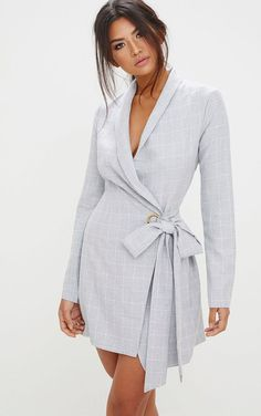 The Grey Checked Blazer Dress. Head online and shop this season's range of dresses at PrettyLittleThing. Express delivery available. Blazer Outfits, Blazer Dress, Blazer Fashion, Dress Outfits, Fashion Dresses, Dress Up, Bodycon Dress, Casual Blazer, Sleevless Blazer
