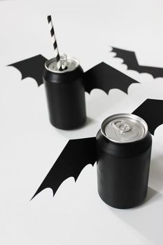 DIY Halloween decorations are a huge part of my yearly spook fests. In my household, I treat DIY Halloween crafts as a way to spend time with my family. Spooky Halloween, Halloween Snacks, Halloween Birthday, Halloween 2019, Halloween Party Decor, Holidays Halloween, Birthday Parties, Birthday Celebrations, Diy Party
