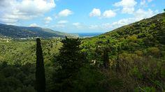 θέα της Άνδρου από το χωριό Φάλλικα