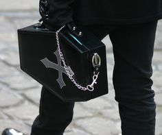 Coffin bag. HOLY SHIT THAT'S AMAZING. Lusting after this bag now !!!
