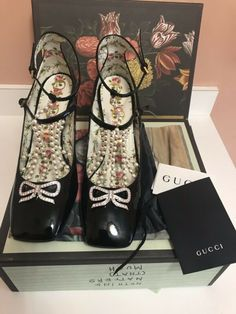 NEW!GUCCI SHOES T-STRAP LEATHER PUMPS WITH PEARLS AND CRYSTAL BOW $1290 Size 40 #heels (ebay link) Pink Leather, Leather Pumps, Leather And Lace, Silver Flat Sandals, Lace Pumps, Michael Kors Sandals, Pump Shoes, Women's Shoes, Gucci Shoes