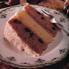All I Want for Christmas is Japanese Fruitcake , Close to Mom& 4 layer Japanese fruit cake with fresh coconut icing? Cindy, this is the recipe you found. Japanese Fruit Cake Recipe, Japanese Cheesecake, Asian Desserts, Just Desserts, Best Fruitcake, Coconut Icing, Cake Recipes, Dessert Recipes, Cupcake Cakes