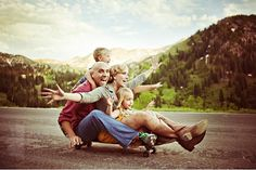 Got to love an engaging family activity for a unique fun family portrait!