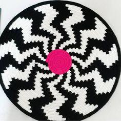 #siparishazirlaniyor #wayuumochila #wayuu #wayuubags #wayuubagsworld #clutch #taban #crochet #hanmade #etaminorlonu #divaetaminorlonu #orgu #elemeği #pinterest #eskişehir