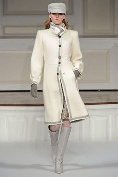 Oscar de la Renta Love ODLR killer Haute Couture and he really kills with this gorgeous coat!!