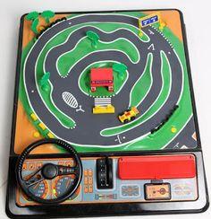 Yo fuí a EGB .Recuerdos de los años 60 y 70.Los juguetes de los años 60 y 70. | Yo fuí a EGB. Recuerdos de los años 60 y 70. Vintage Games, Vintage Toys, Nostalgia 70s, Kickin It Old School, Pocket Game, Retro Images, Curious Cat, 80s Kids, Cute Toys