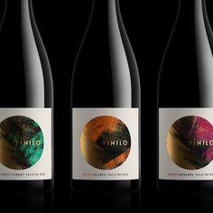 Wine Bottle Design, Wine Label Design, Craft Beer Labels, Wine Labels, Tips For Oily Skin, Packaging Design, Product Packaging, Wine Brands, Beverage Packaging