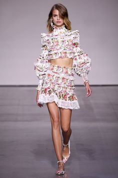 See the complete Zimmermann Spring 2018 Ready-to-Wear collection.
