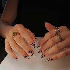 Related posts:Black nail polish with glitter nail art ideaNails in the sun - shinningClassic watch and nails Cow Nails, Aycrlic Nails, Manicures, Hair And Nails, Milky Nails, Nail Design Glitter, Nail Polish, Nail Nail, Toe Nail Des