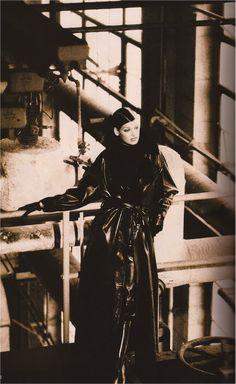 Linda Evangelista by Peter Lindbergh for Harper's Bazaar,  Sept 1992