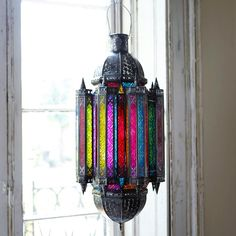 I love this beautiful lantern from Graham and Green! Do they ship to the US?