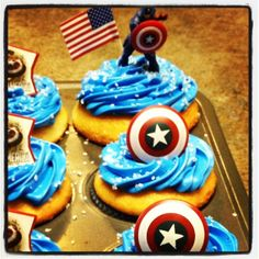 Cupcakes at a Captain America Party #captainamerica #partycupcakes