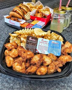 Chick-fil-a - February 21 2019 at - and Inspiration - Yummy Fatty Meals - Comfort Foods Recipe Ideas - And Kitchen Motivation - Delicious Steaks - Food Addiction Pictures - Decadent Lifestyle Choices I Love Food, Good Food, Yummy Food, Yummy Recipes, Comida Disney, Sleepover Food, Food Goals, Aesthetic Food, Food Cravings