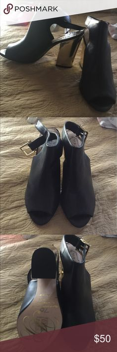 Black with a gold heel peep heels Brand New with Tags in Perfect condition never been worn fits like an 8 Ted Baker Shoes Heels