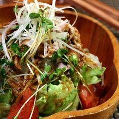 「豚しゃぶサラダ *韓国風」大絶賛のドレッシングは混ぜるだけ♪+by+ATSUKO+KANZAKI+(a-ko)さん+|+レシピブログ+-+料理ブログのレシピ満載! 旦那サマ大絶賛のドレッシングは混ぜるだけ!  ビールにもピッタリです♪ Vegetable Sides, Vegetable Salad, Vegetable Recipes, Meat Recipes, Asian Recipes, Vegetarian Recipes, Cooking Recipes, Healthy Recipes, Healthy Food