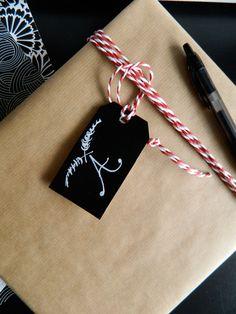 Poppytalk: 5 Minute Gift Tag DIY + Wrap Inspiration