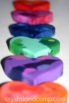 Recycle Broken Crayons and Turn Them Into Party Favors | CrystalandComp.com