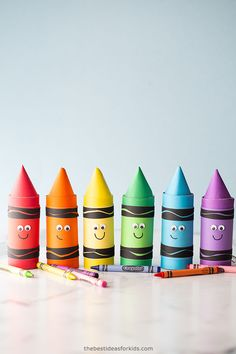 Paper Roll Crayon Craft Recycled Crafts Kids, Easy Diy Crafts, Cute Crafts, Preschool Colors, Preschool Crafts, Crafts For Kids To Make, Art For Kids, Kids Crafts, Crayon Template