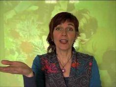 gebarenliedje: Er liggen bolletjes in de grond (gebaren bij het liedje van Herman Broekhuizen) - YouTube